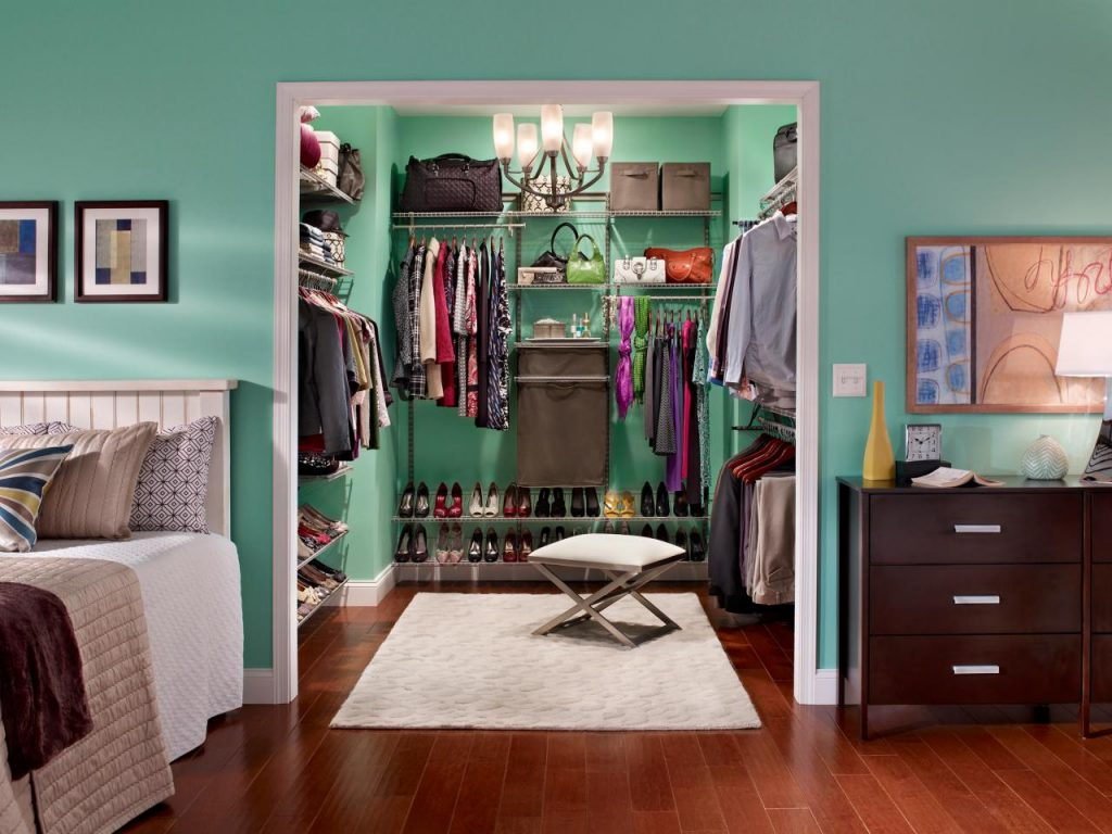 Walk in closet ideas small spaces