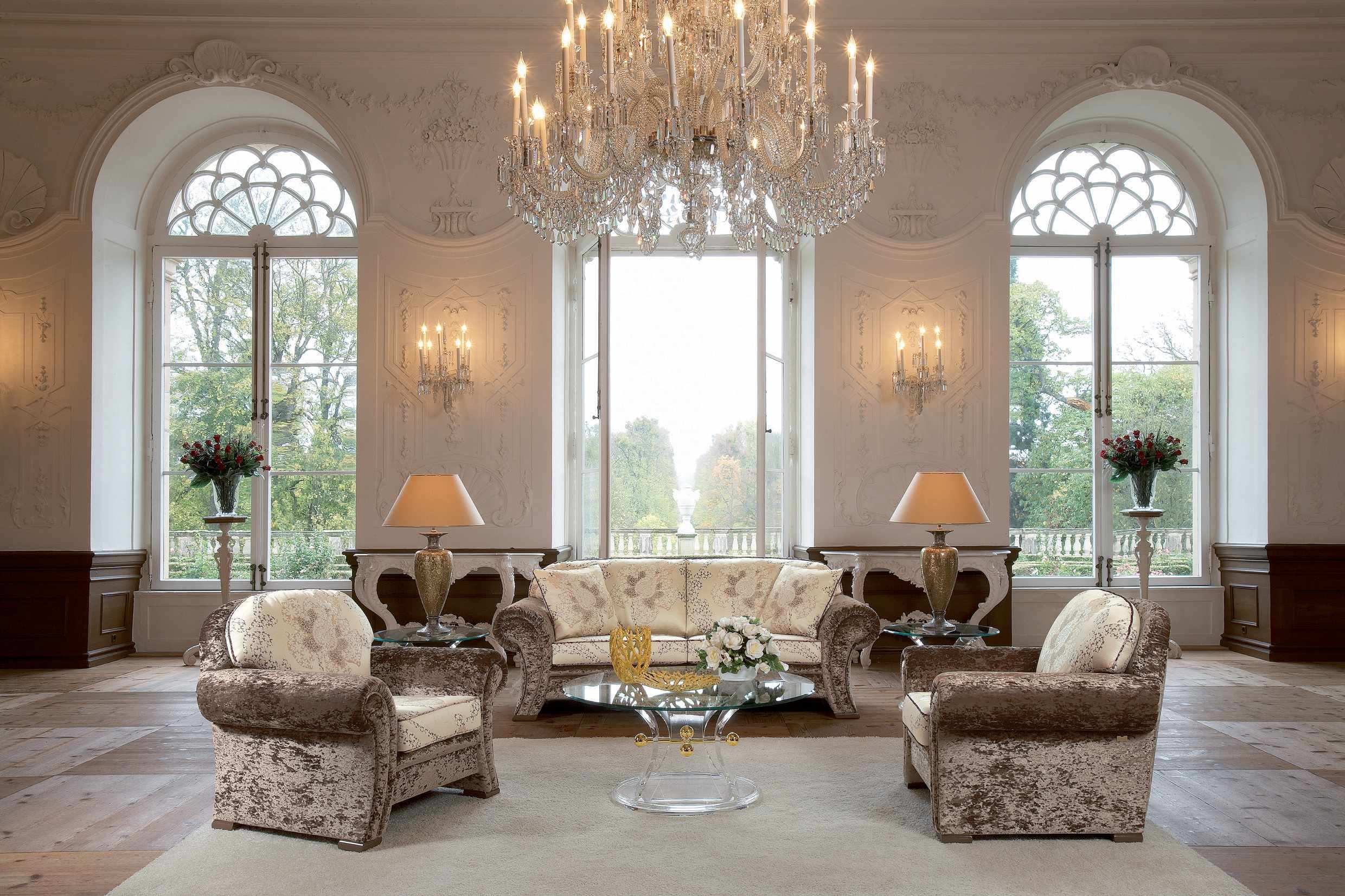 Chandeliers for your home interior design paradise for Exclusive living room designs