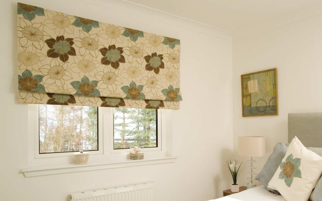 Roman blind curtain