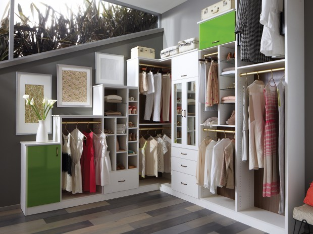 Walk-in closet in all its glory | Interior Design Paradise