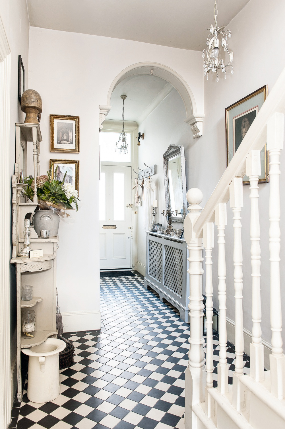 Seven brilliant and practical ideas for your entrance hall for Hall design for small house
