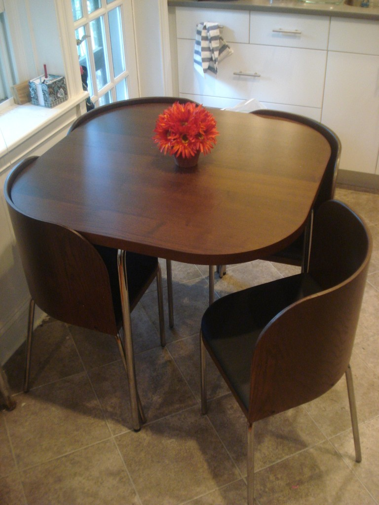 Interesting folding tables for small spaces interior for Table ideas for small kitchen
