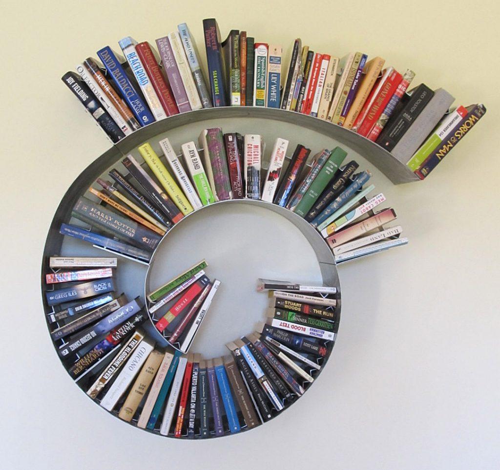 Spiral bookshelf
