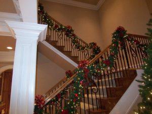 christmas-stairways-decoration