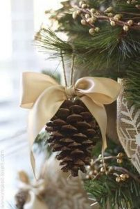 pinecone-on-a-ribbon-with-bow