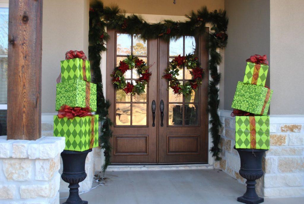 welcoming christmas door