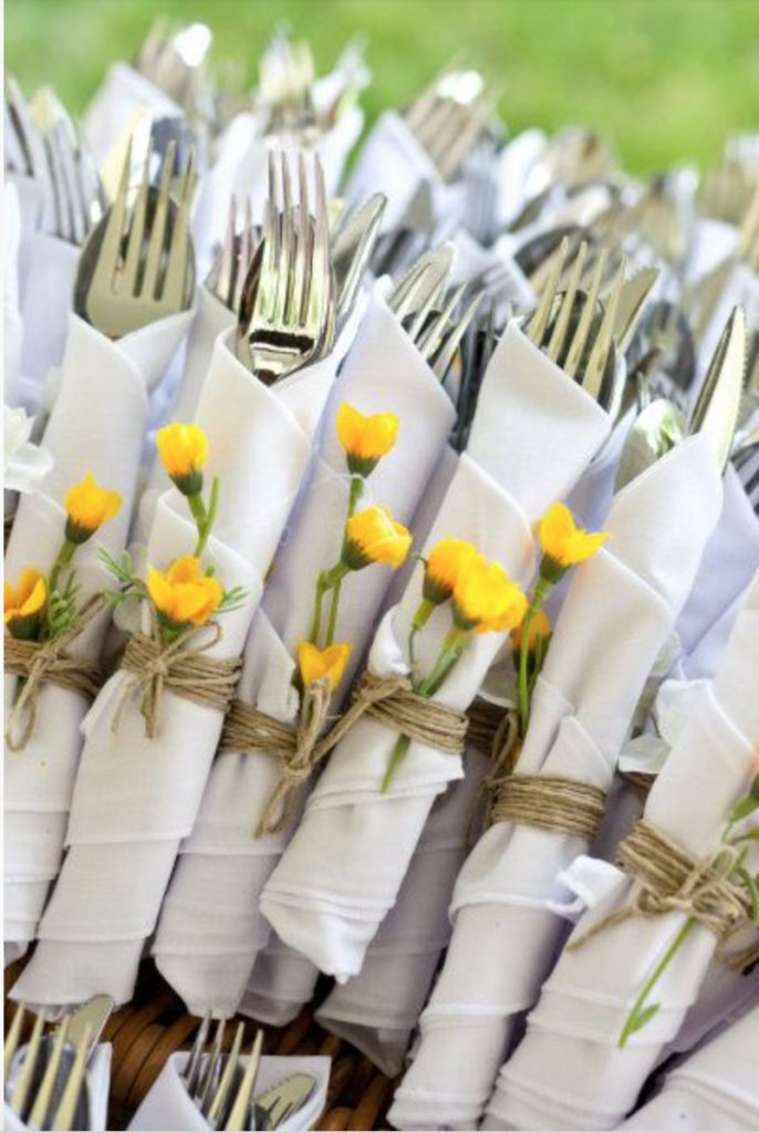Decorating tableware with flowers