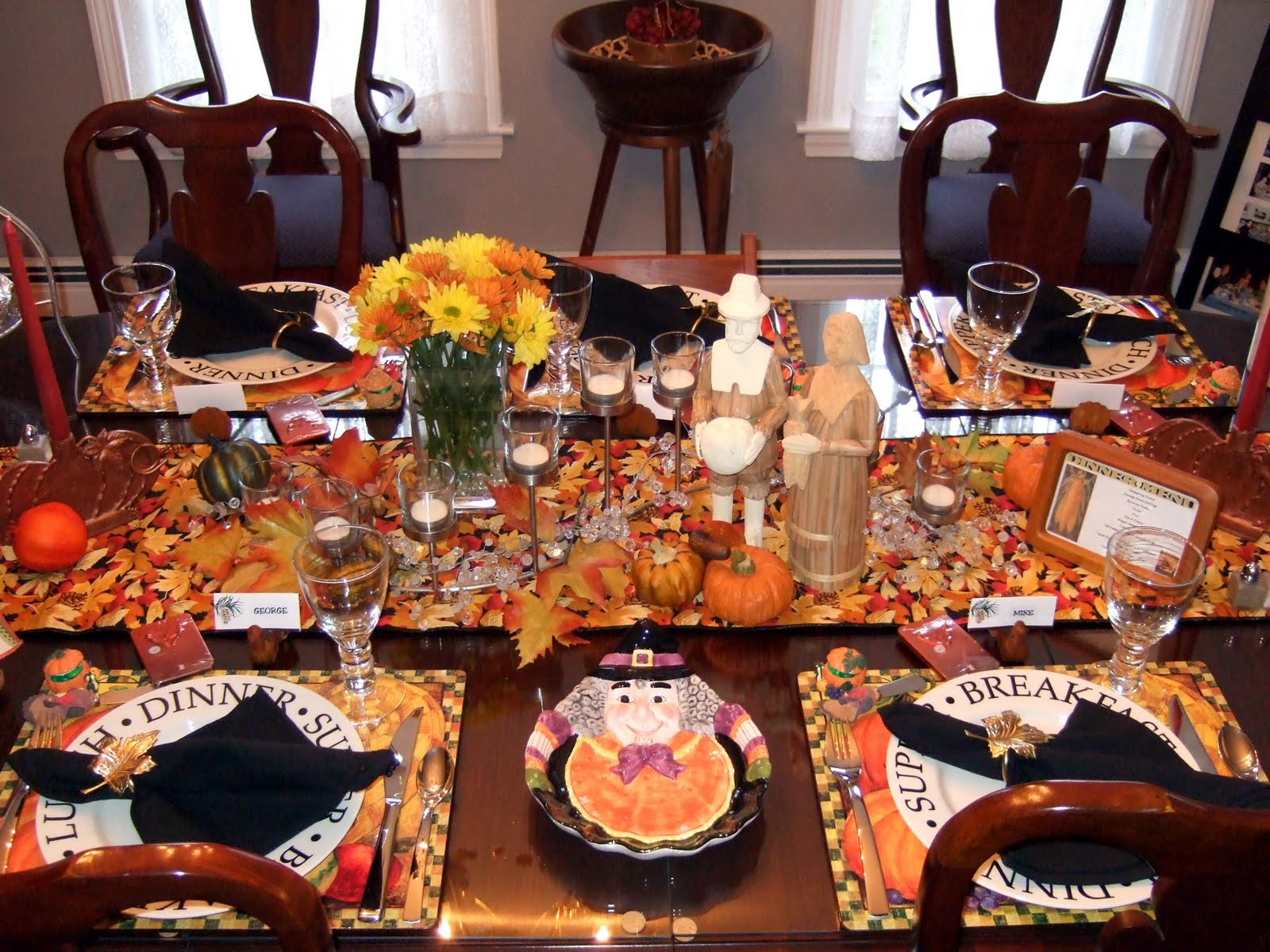 thanksgiving decorations. thanksgiving table