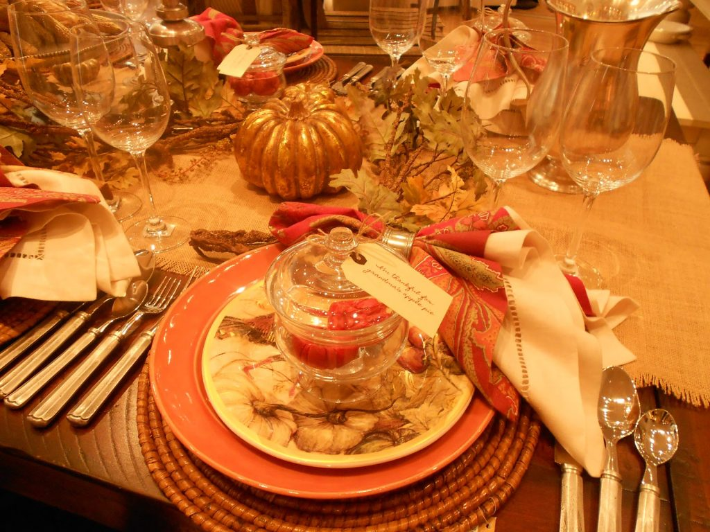 golden thanksgiving table