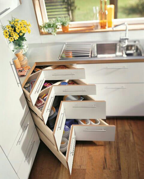 Small kitchen smart corner design