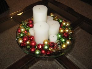 christmas-centeroiece-with-ornaments