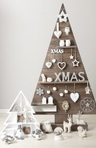 Christmas-tree-on-the-wall