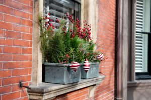 decorating-window-for-christmas
