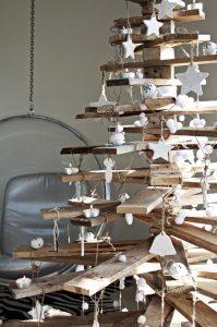 old-wood-Christmas-tree