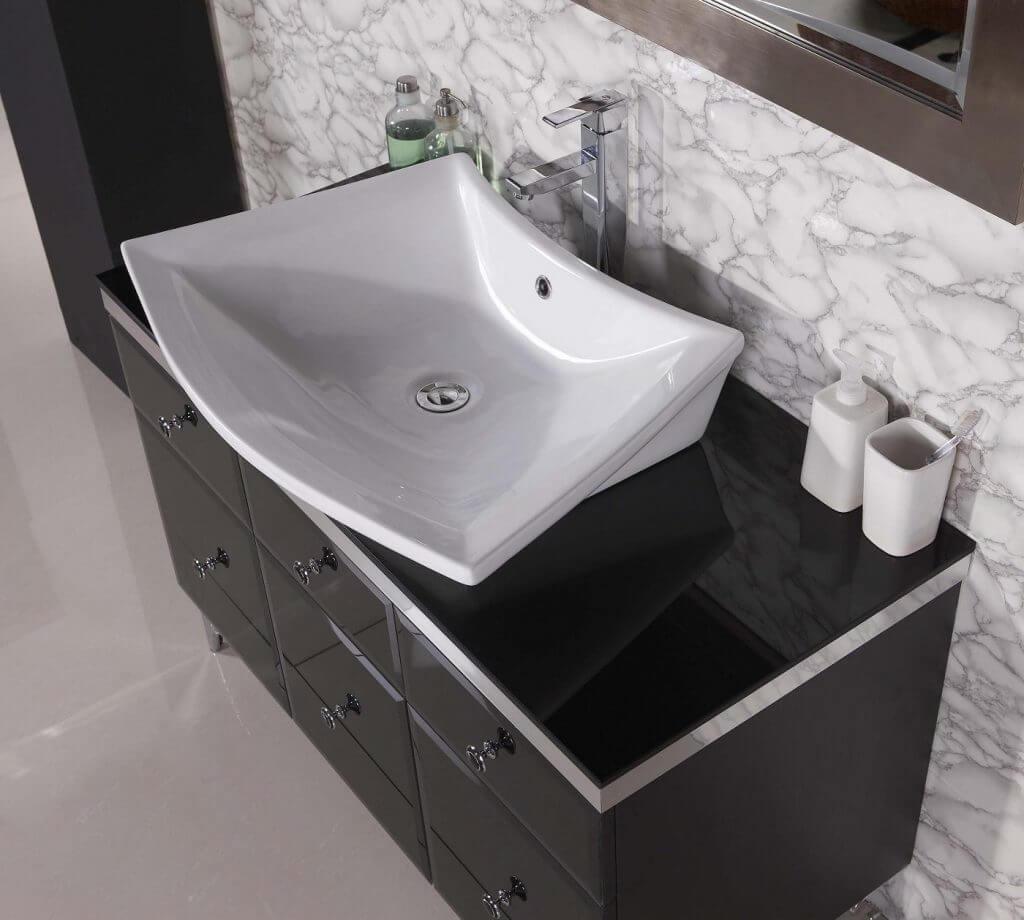 Extraordinary marbl tiles in bathroom