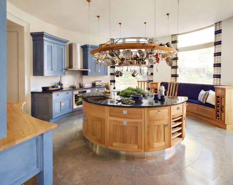 Amazing kitchen with island