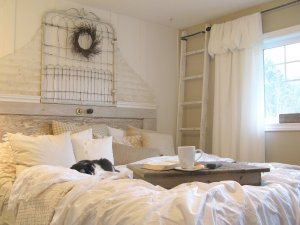 Shabby chic bedroom idea