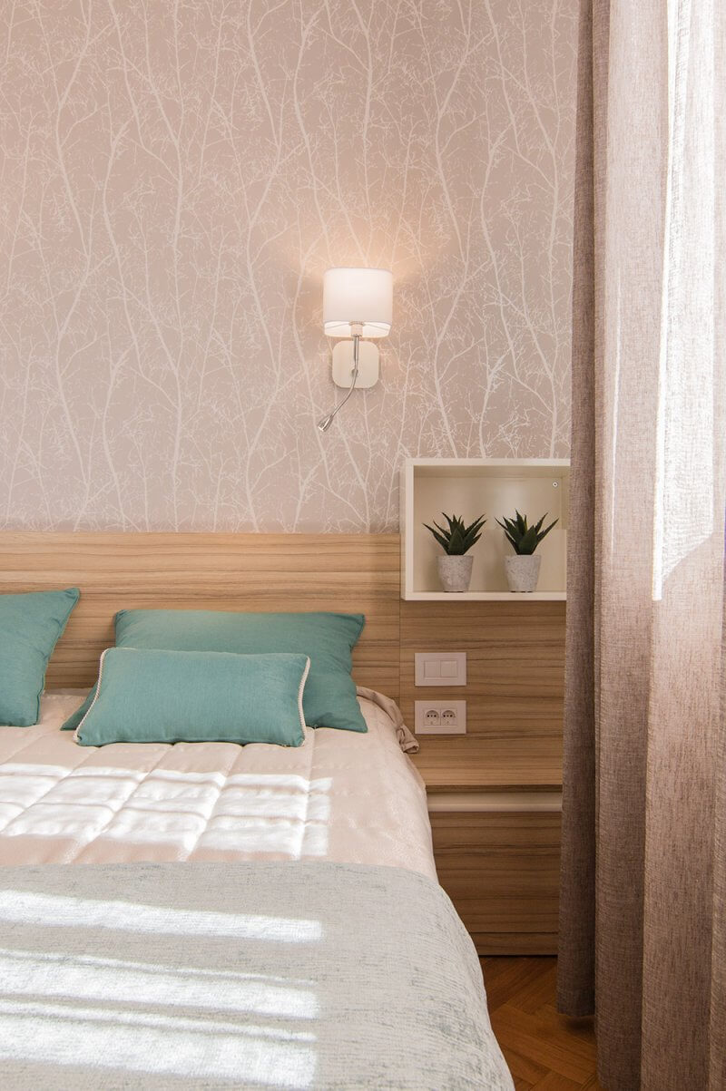 Interior Design Of Guest Room: Before And After: Renovation Of Old Apartment Into The