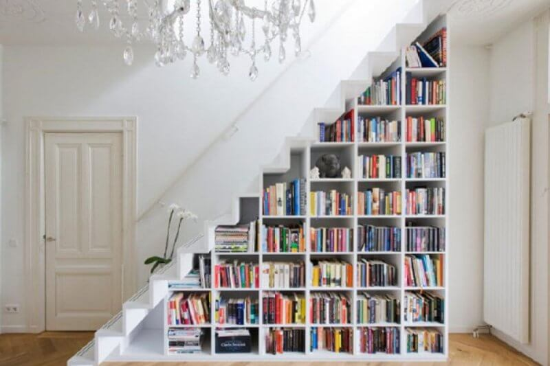 Staircase with book shelves