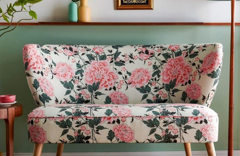 Floral pattern sofa will revive your home