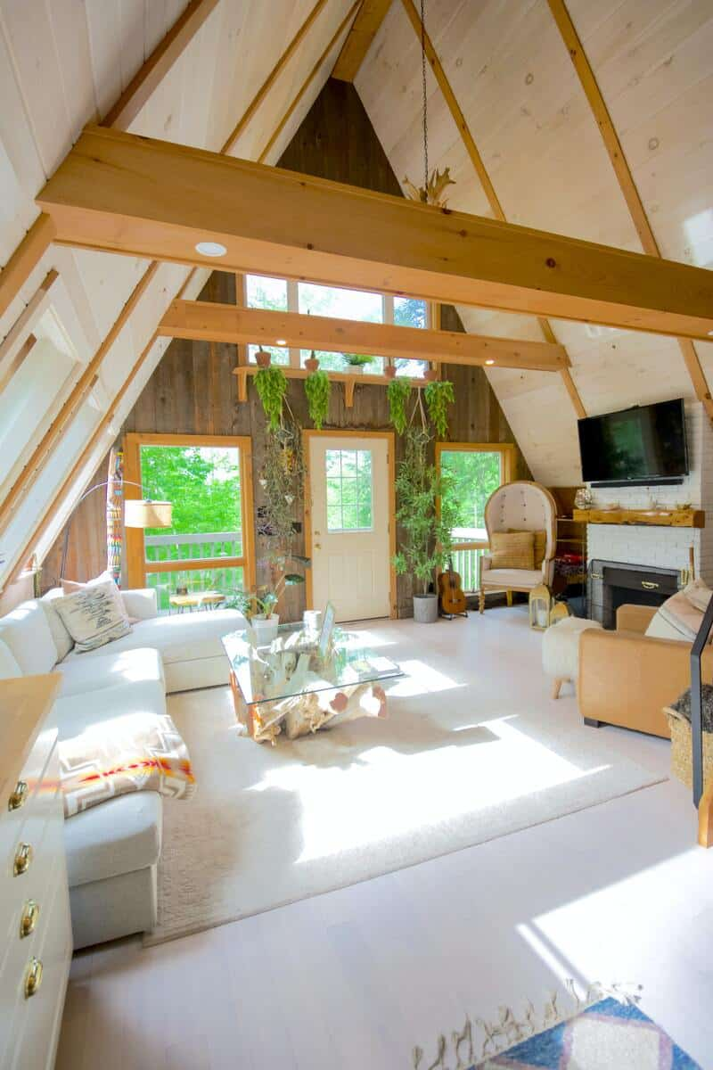A nice bright room