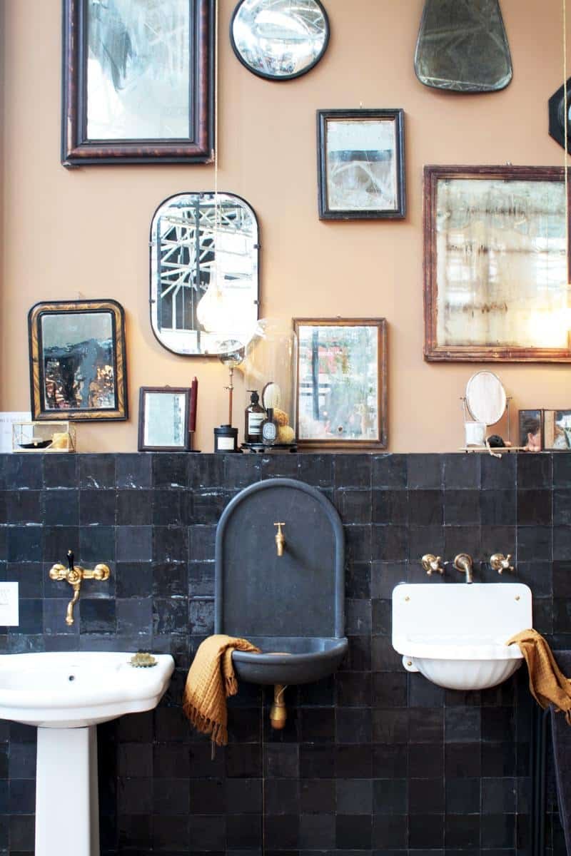 A bathroom inspired by Latin America