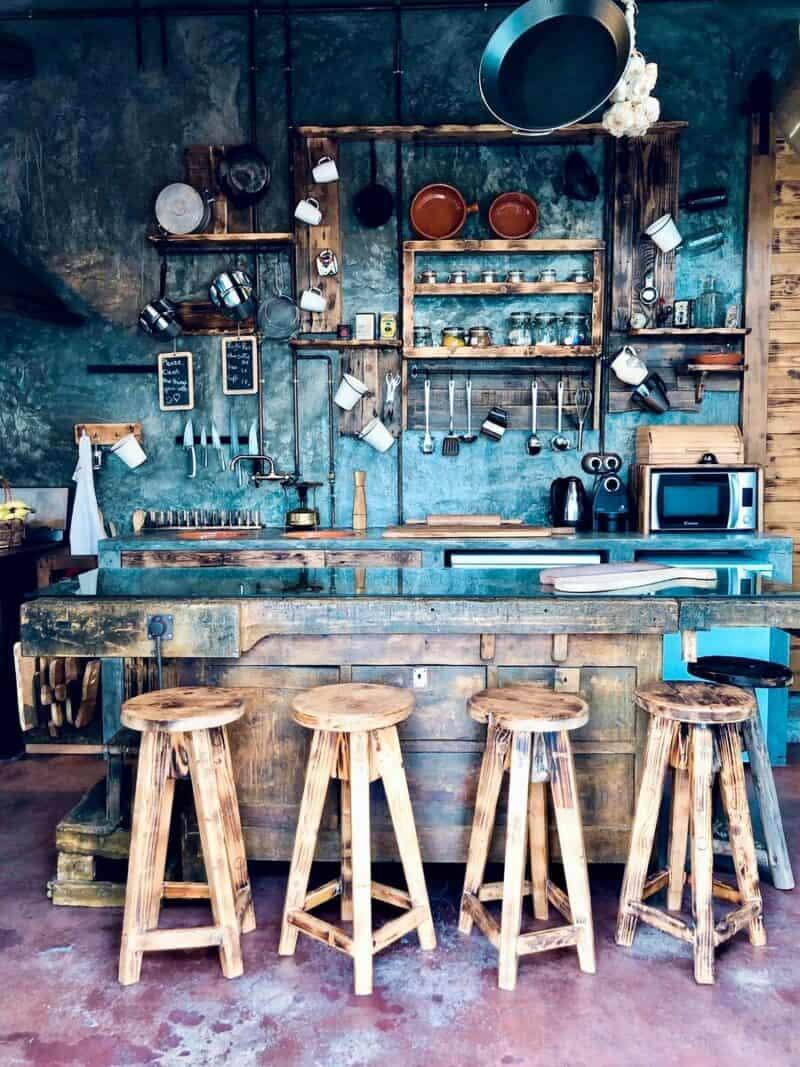 Interesting open storage kitchen shelves