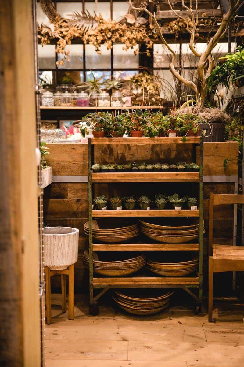Open storage kitchen shelf